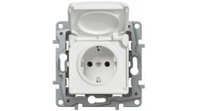 2P+E German standard socket outlet Nilo? -with shut. -IP44 + flap -automatic terminals -white.To be equipped with standard plates.Fixing with screws or claws (supplied).